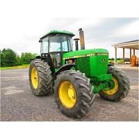 tractor agricola John Deere 4520