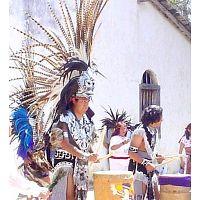 CARRERA DE DANZA Y ARTES AZTECA