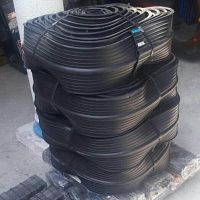 Banda De Pvc 6 O 15 cm Color Negra Ojillada